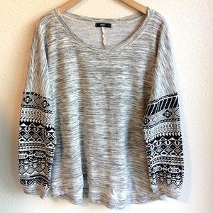 🌸3/$30 ING+ Sweater Sweatshirt Aztec Black White